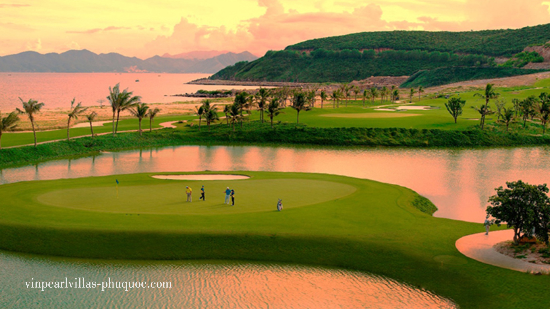 Tiện ích sân Golf Shophouse và Condotel Vingroup
